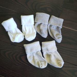 3 pairs of baby socks